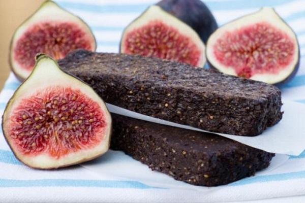 Domácí fíkové raw tyčinky