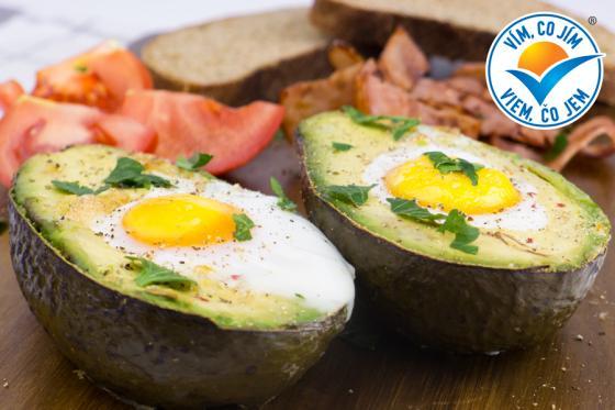 Recept: Zapečené avokádo s vejcem