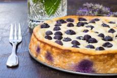 Recept: Borůvkový koláč s ricottovým sýrem